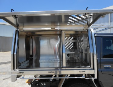 Vented front compartment-2000x1499.jpg