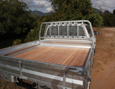 TOYOTA HILUX DUAL CAB GALVANIZED TRAY WITH TIMBER FLOOR (8).JPG
